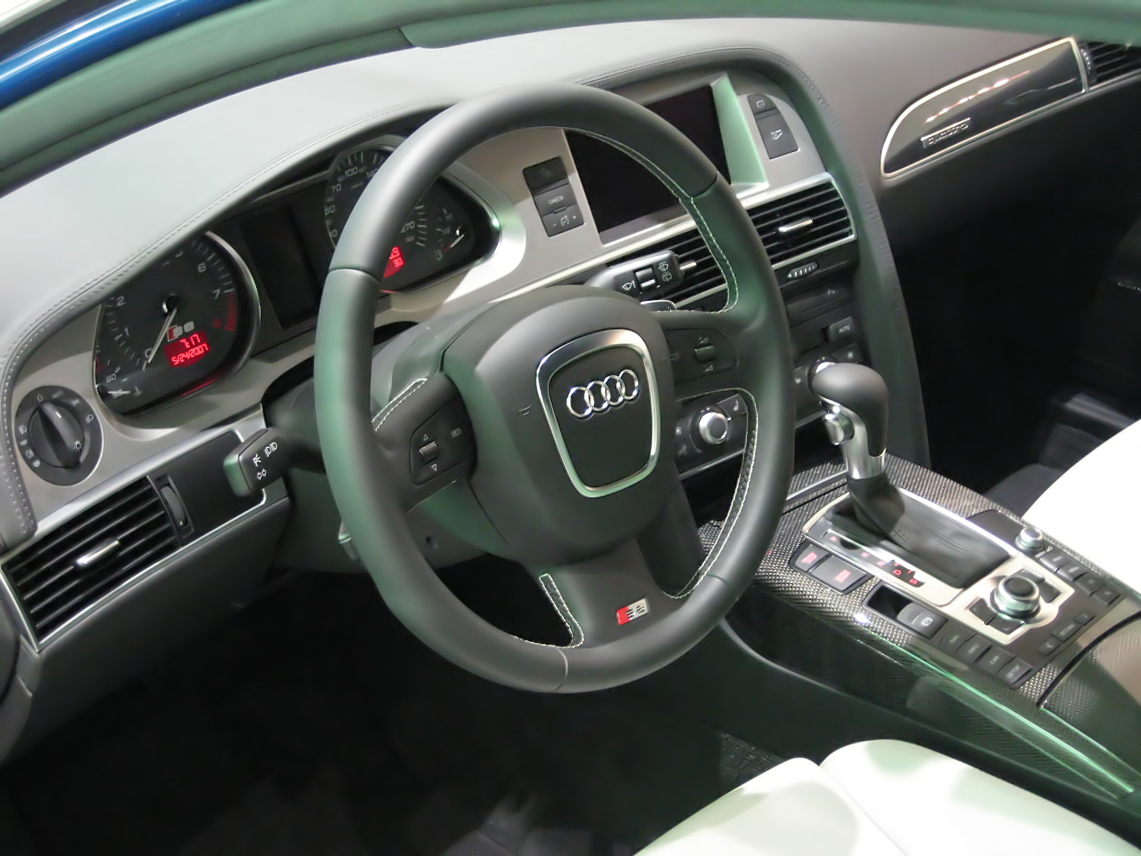 Multi media interface for Interieur cuir audi a6