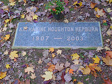 "A gravestone with the words: ""Katharine Houghton Hepburn 1907 – 2003"""