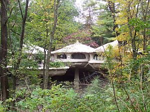 Pod house, Perinton, New York.JPG