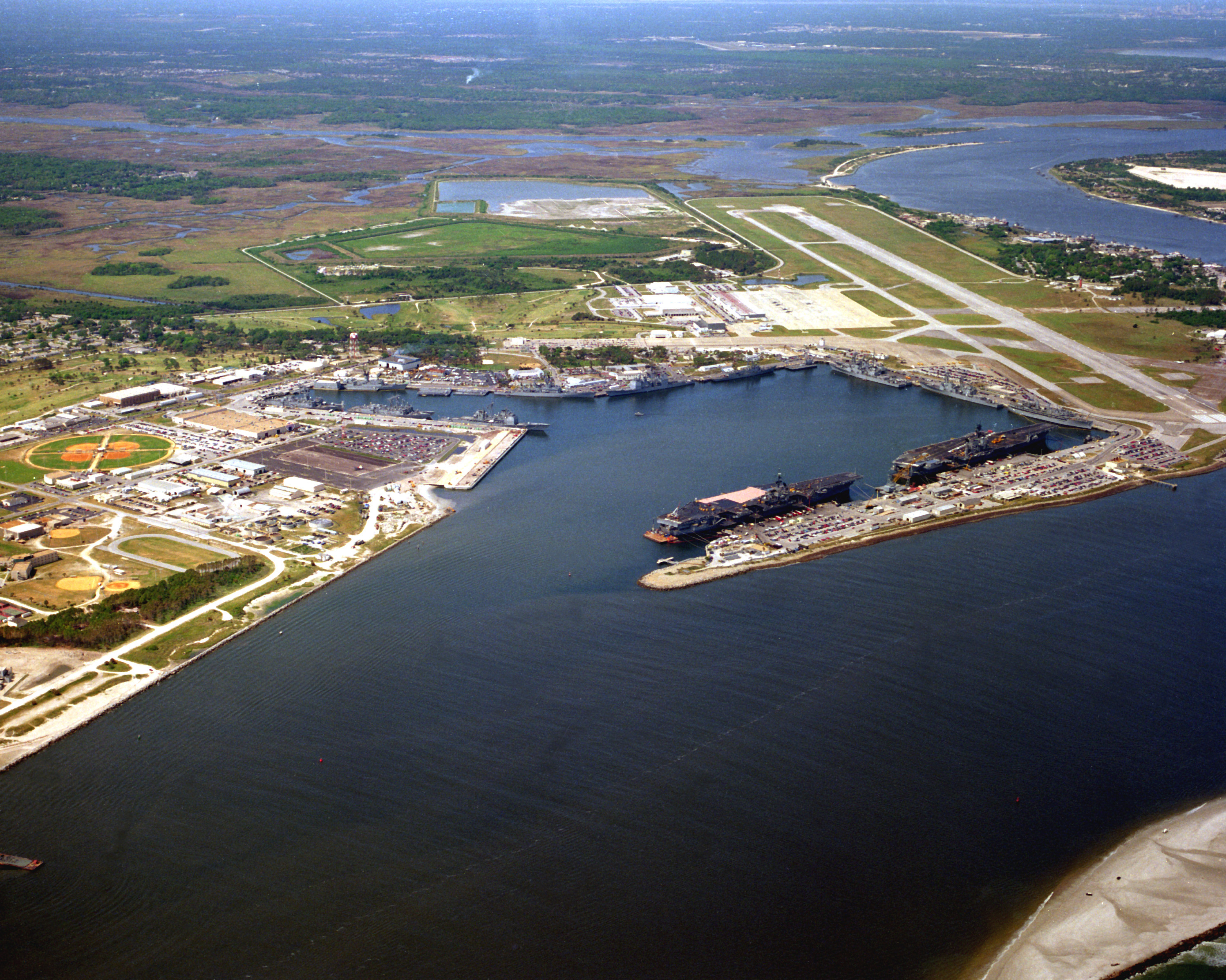 Aerial vew of Naval Station Mayport in 1993 with Saratoga and ...