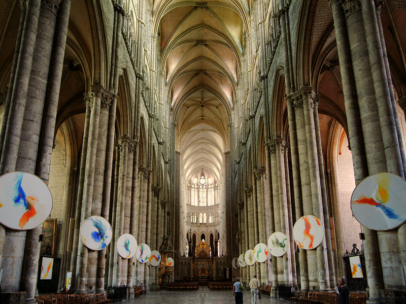 gothic architecture amiens cathedral essay Architecture: classical greek vs medieval gothic classical greek vs medieval gothic looking a beautiful example of gothic architecture was the amiens cathedral.