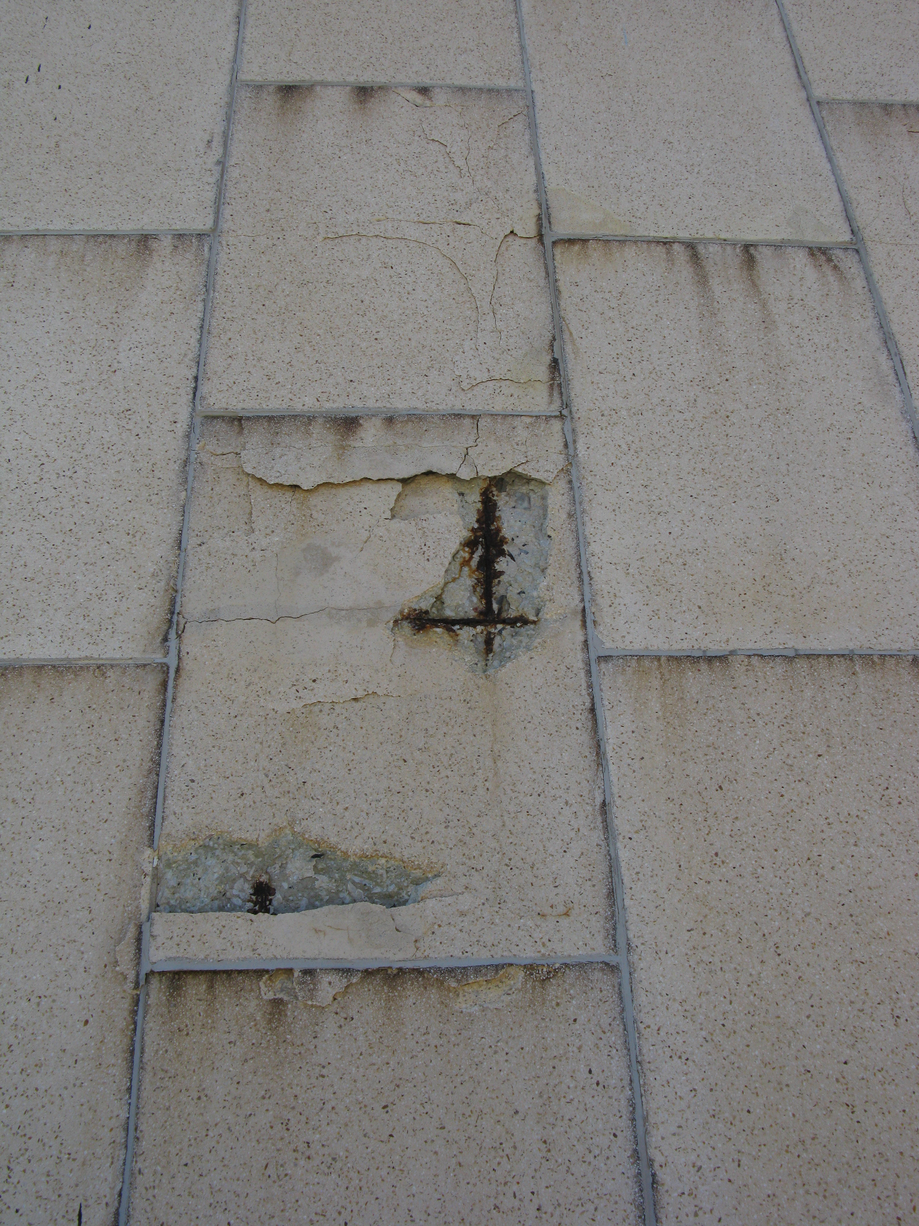 Rust Cement Wall : Reinforced concrete