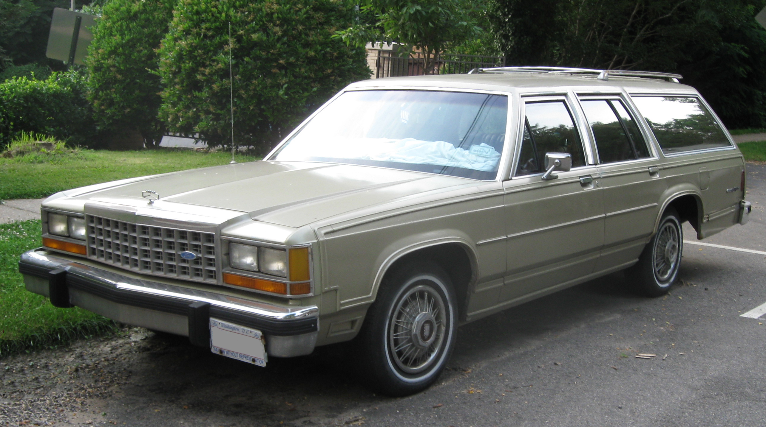 Ford Country Squire