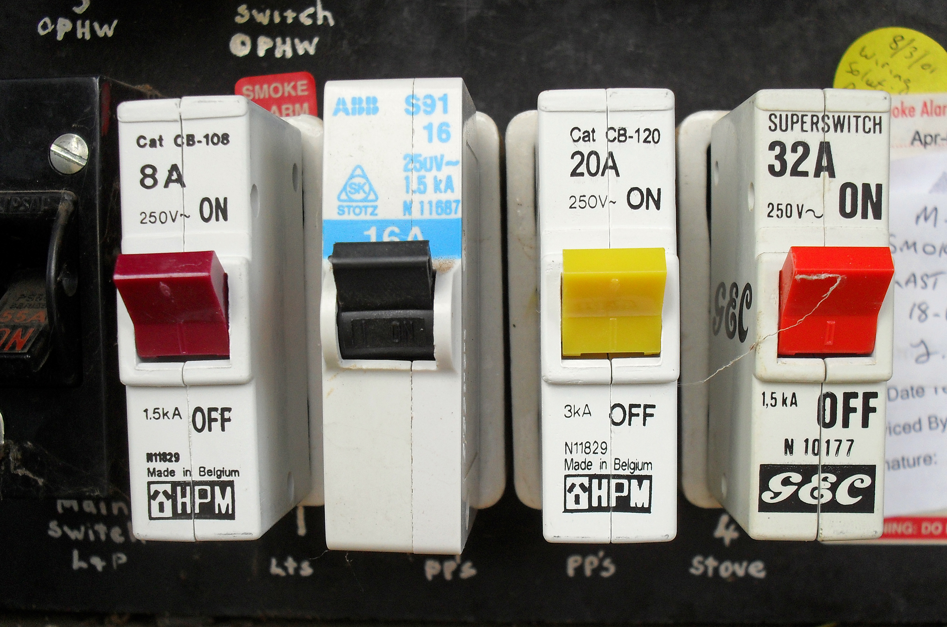 Household Fuse Box Wiring Simple Guide About Diagram In Home Circuit Breaker Distribution Board Wikipedia