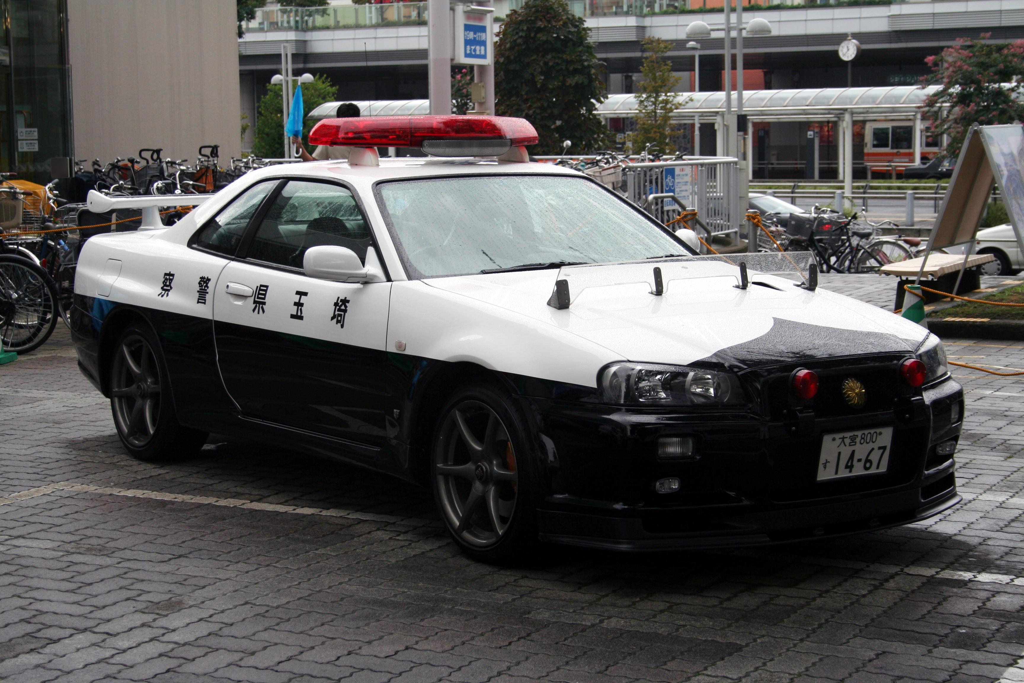 Japanese_NISSAN_SkylineR34_GTR_police_ca