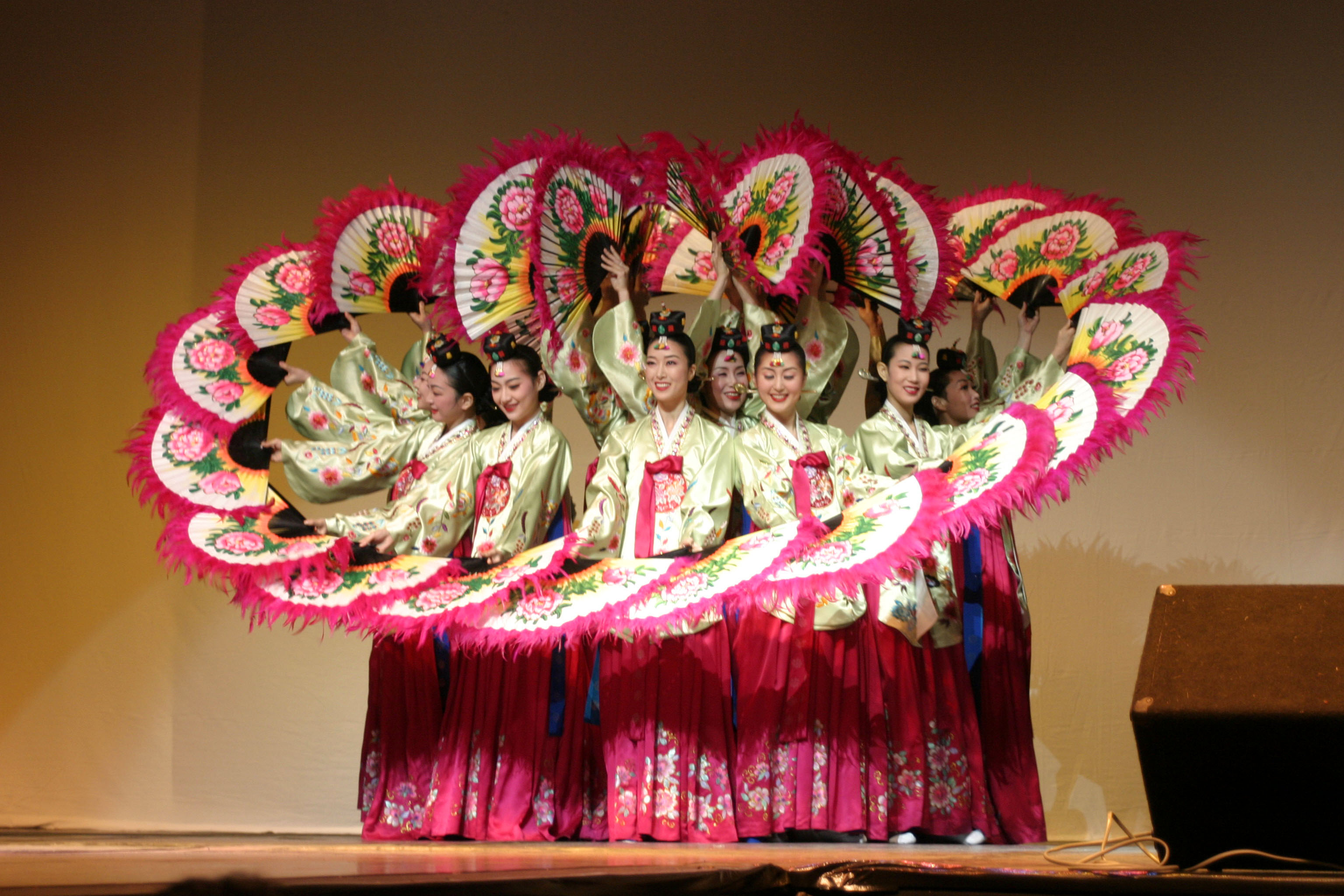 an analysis of traditional music and dances in the korean culture Dance and music korean mask – a façade that reveals one's inner desires  and is one of the most representative images of korean culture  and mask dances .