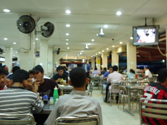 "mamak stall In malaysia, you could find loads of ""mamak stalls"", and a typical mamak stall usually offers different varieties of roti canai and rice dishes (nasi lemak is one of them) the food are simple and the atmosphere in a typical stall is unpretentious, just the way i like it."