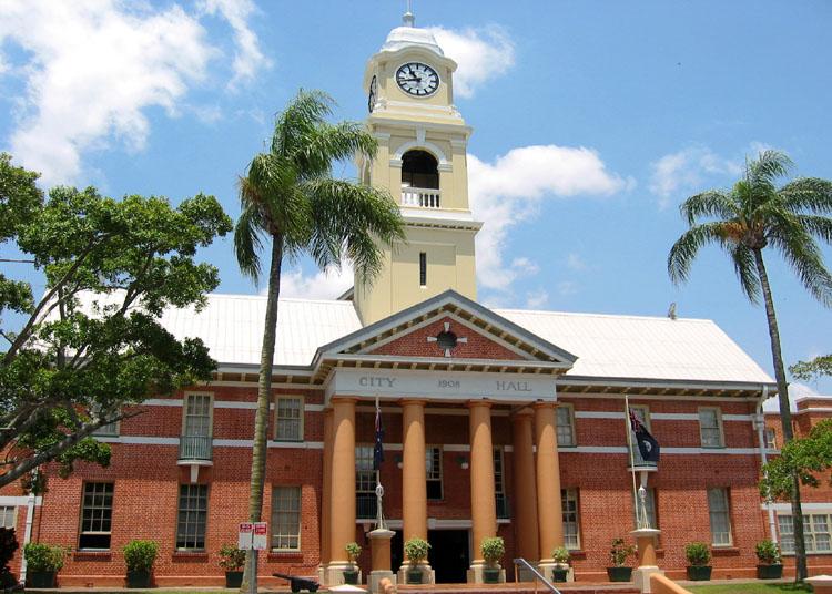 Maryborough Australia  city photos : Maryborough City Hall, built in 1908, on Kent Street.