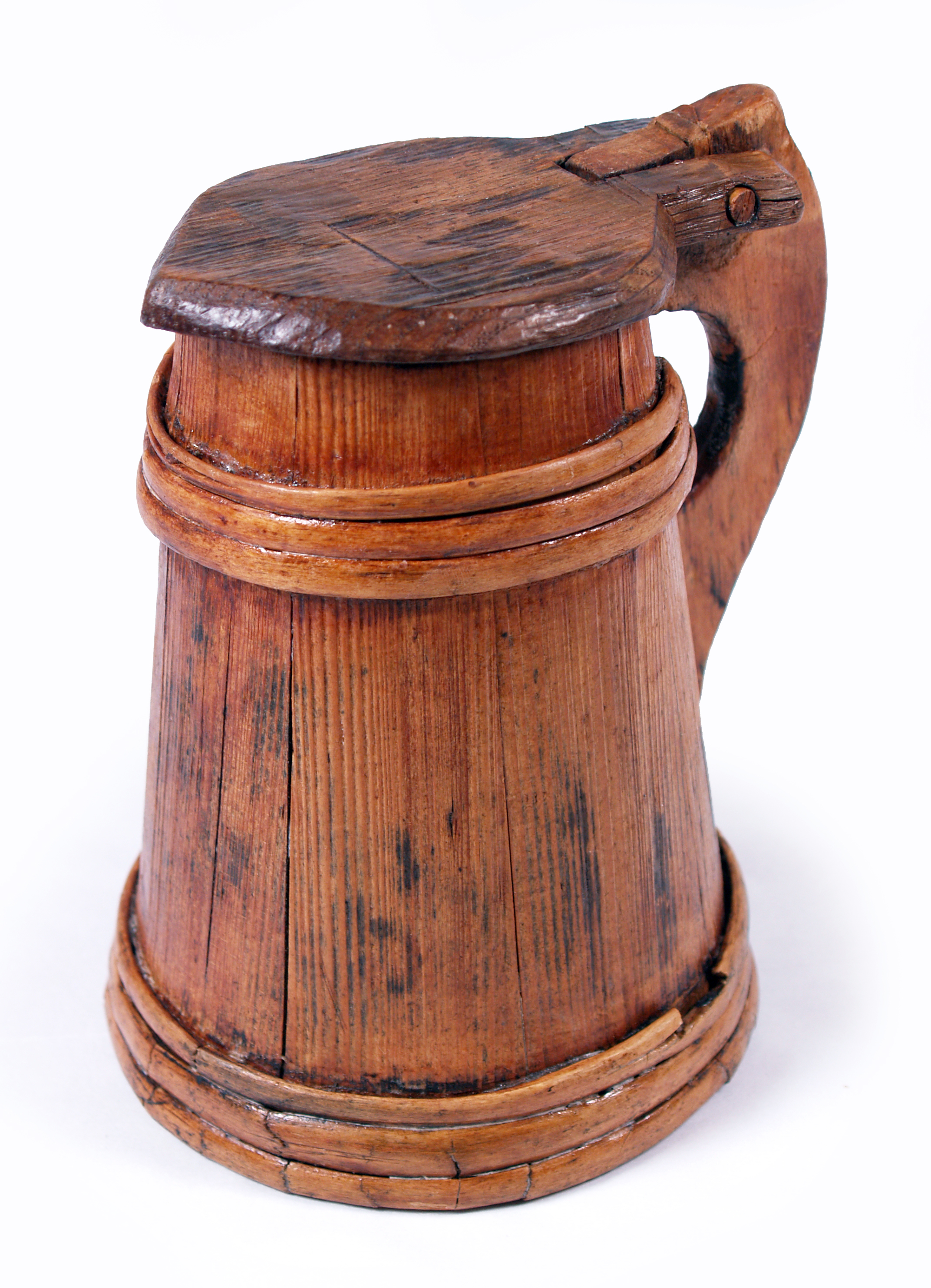 Old Fashioned Tavern With Tankards