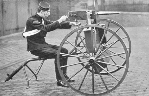when was the machine gun invented in ww1