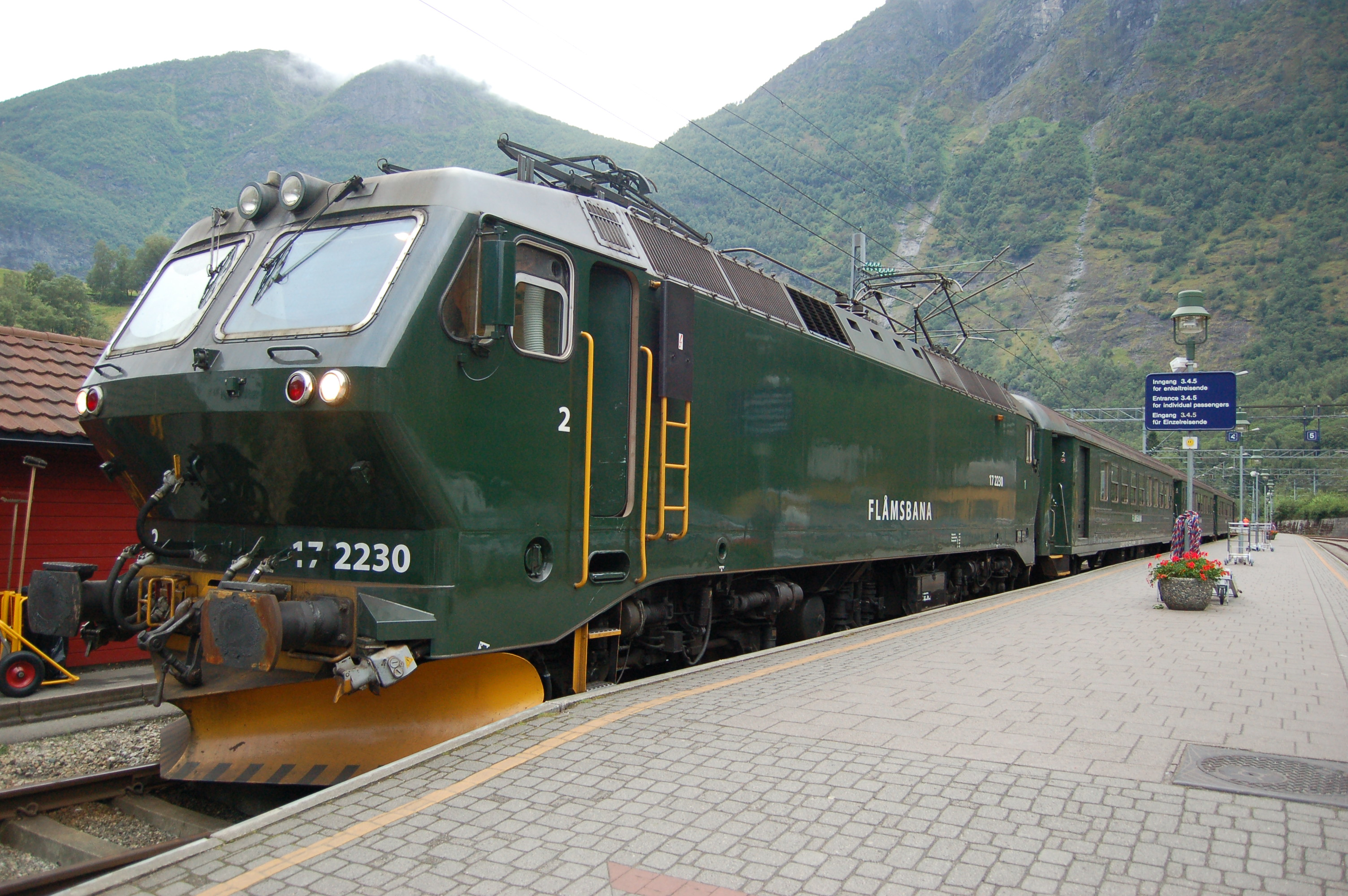 nsb el 17 2230 on fl m line in the line s green livery