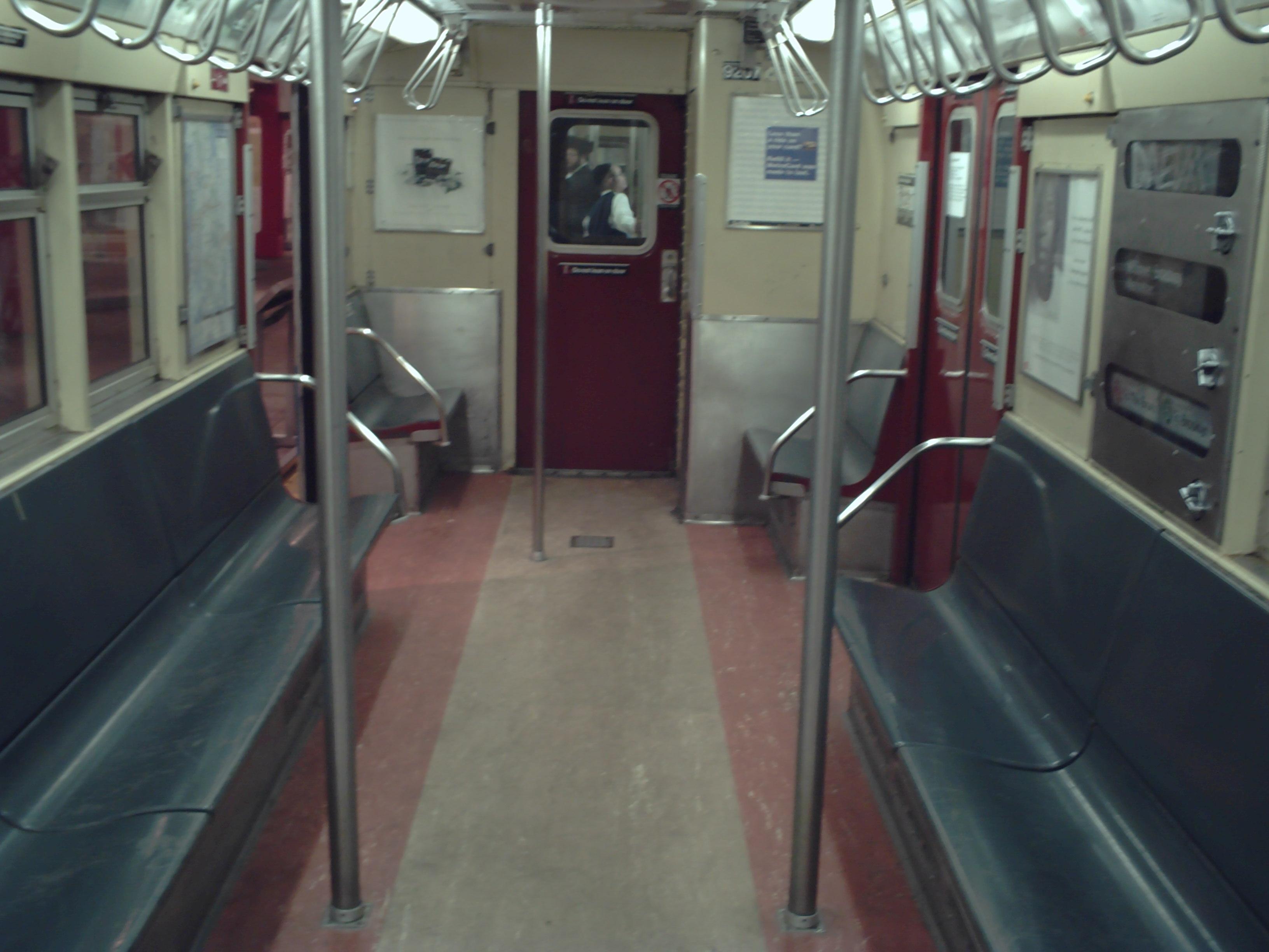 r33 new york city subway car. Black Bedroom Furniture Sets. Home Design Ideas