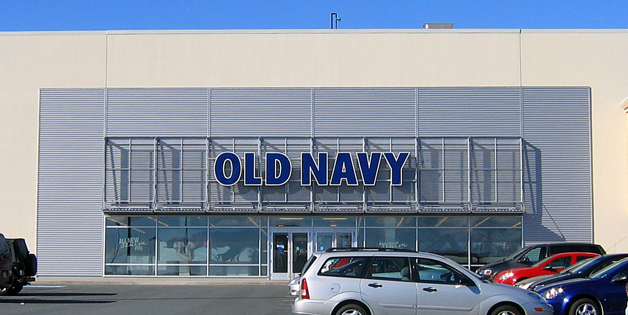 Old Navy Clothing Store - Accessories - Heartland Village - Staten