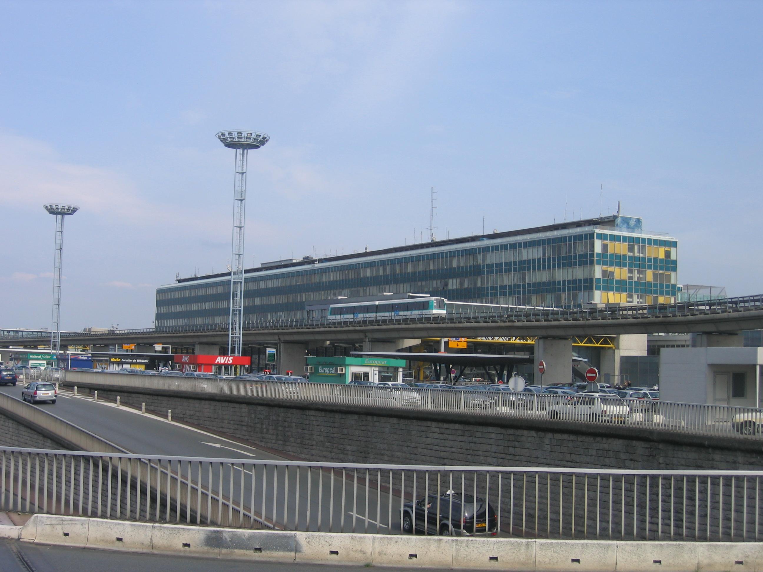 Paris orly airport - Comptoir easyjet orly sud ...