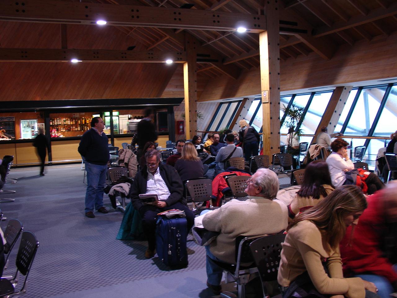 http://en.academic.ru/pictures/enwiki/80/Preembarque_Aeropuerto_de_Ushuaia.jpg