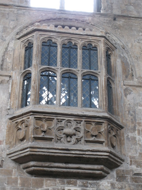 Oriel window for Fenetre meaning in english