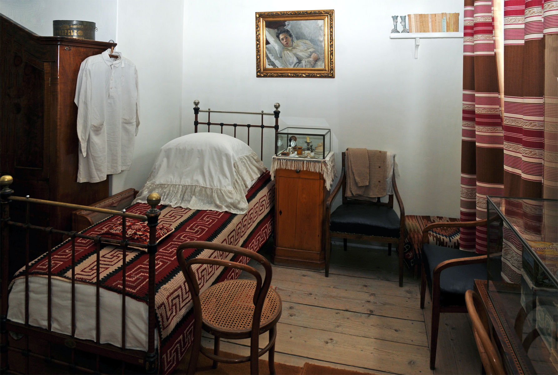 Толстые в спальне 1 фотография