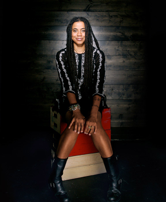 suzan-lori parks essays on the plays First off, imma need you to read parks' essays before you read the america play, so that you'll be able to understand it better suzan-lori parks.
