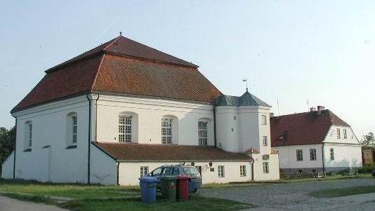 http://en.academic.ru/pictures/enwiki/83/Synagoga_Tyk.jpg