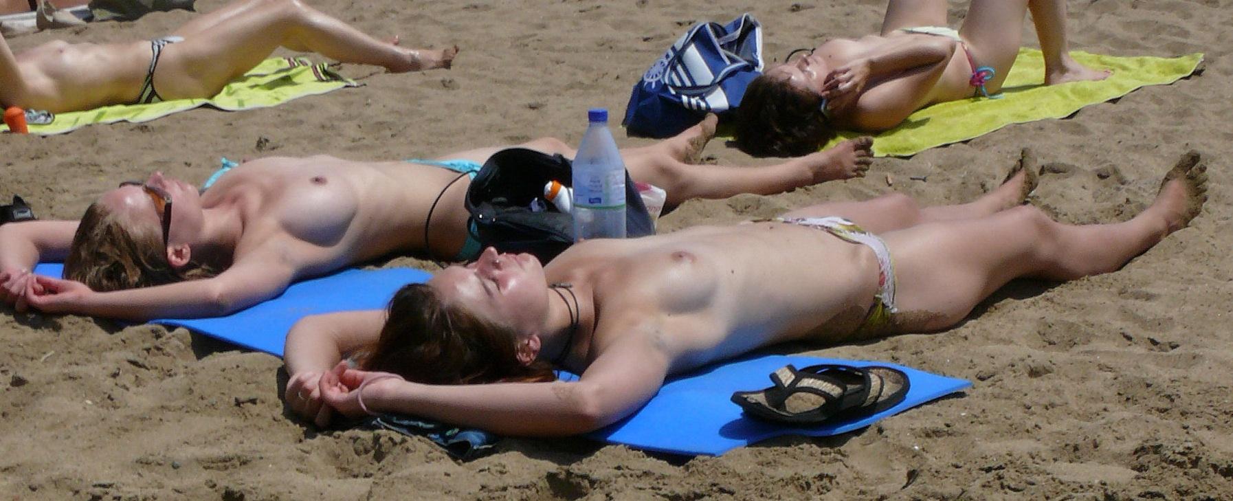 barcelona playa Nude beach de