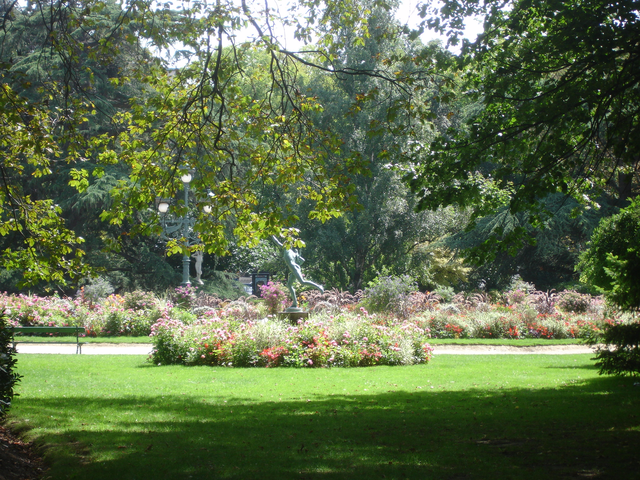 Remarkable gardens of france for Jardin royal toulouse