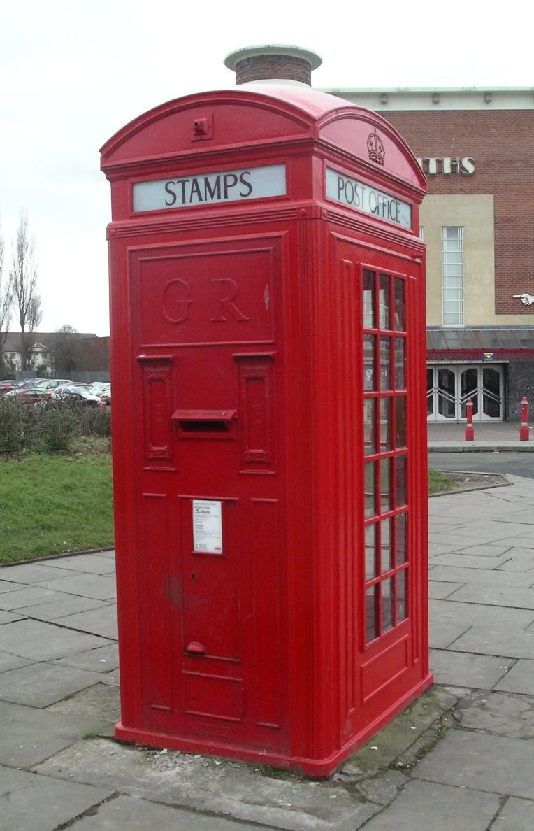 Англичане открыли библиотеку в телефонной будке (7 фото) .