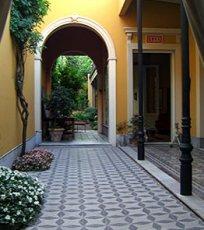 Casa monserrat buenos aires boutique hotel buenos aires for Casa jardin hostel buenos aires