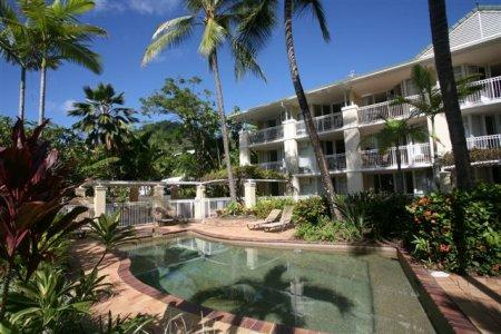On the Beach Holiday Apartments Cairns